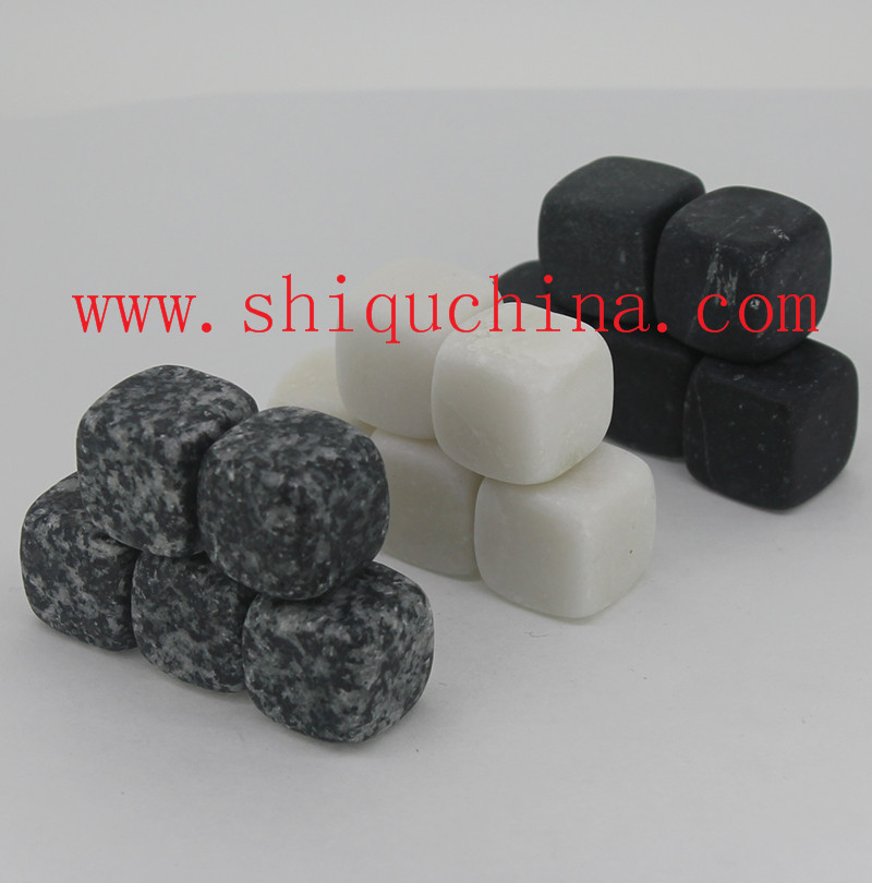 assorted whiskey stone/whisky rock set